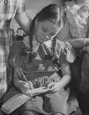 MARGARET O'BRIEN UNSIGNED PHOTO - 4786 - JANE EYRE & LITTLE WOMEN