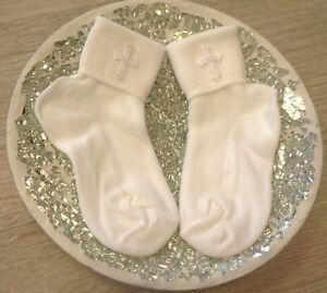 Baby Erstausstattung Baby Socken elegant Taufe Hochzeit Gr.19-22 Weiß mit Kreuz