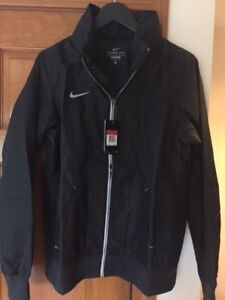 NEW NIKE BLACK STORM-FIT POLYESTER JACKET with MESH LINING WOMEN'S XSMALL
