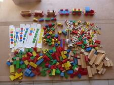 Gros lot de 7,5 kgs de jouets en bois type meccano trains briques jouets 1er âge