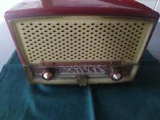 radio ancienne des années 40,50 ou 60, Radiola, habillage en bakélite