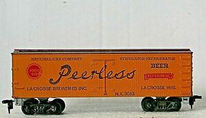 Roundhouse Boxcar Wooden Beer Reefer PEERLESS ELFENBRAU Rd# NX 3060 - RARE - HO