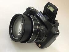 Panasonic LUMIX DMC-FZ200 12.1MP Appareil Photo Numérique-Noir (Kit avec objectif 25-600 mm)