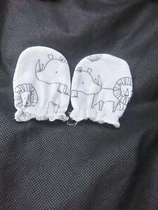 newborn baby boy mittens