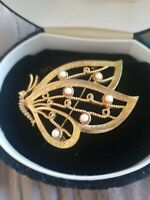 Signed Marvella Vtg Gold Tone Faux Pearl Butterfly Pin