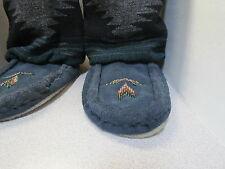 BEAUTIFUL AUTHENTIC NATIVE AMERICAN MUKLUKS WITH A BEADED DESIGN 9 INCH