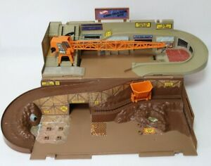 Vintage Hot Wheels Playset Construction Site Made by Mattel 1970's Kids Toys