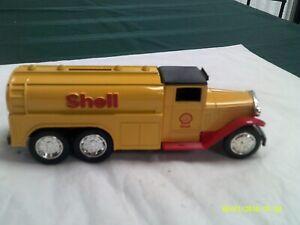 "NIB ERT: 1930 ""Diamond T"" Tanker Truck-DC Metal Bank-Shell-1/34 scale"