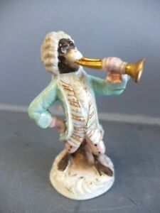 Ältere Porzellanfigur, Trompeter aus der Affenkapelle, wohl Thüringen um 1920/30