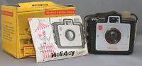 EASTMAN KODAK BROWNIE Holiday VINTAGE FILM CAMERA DAKON LENS USA w BOX & manual
