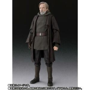 SH Figuarts Luke Skywalker The Last Jedi