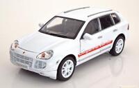 1:18 Welly Porsche Cayenne Turbo 2002 white