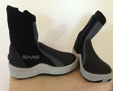 Bare 6mm Ice Boots, size 04, new