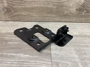 ✅ OEM 14-20 INFINITI Q50 Q60 LEFT DRIVER SIDE HOOD LATCH LOCK MOUNT BRACKET ✅