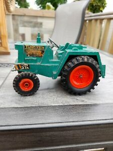 VINTAGE TRIANG TUGSTER DIECAST TRACTOR TYPE 37A