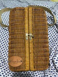 Vintage Wine Wicker Picnic Time Basket Glasses Silver Stopper Opener Napkins