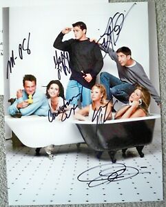 FRIENDS CAST HAND SIGNED (BY ALL) 8 1/2 X 11 COLOR PHOTO / COA