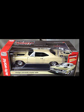 1969 Dodge SuperBee CREAM 1:18 Auto World 1094