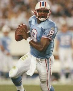STEVE McNAIR 8X10 PHOTO HOUSTON OILERS TENNESSEE FOOTBALL PICTURE NFL WITH BALL