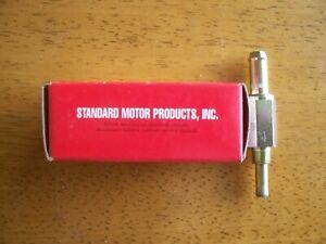 Standard Motor Products, PCV Valve, V231, NOS, Fits Dodge, Kia, Isuzu