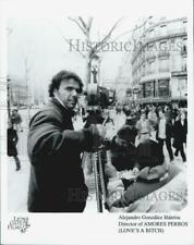 "2005 Press Photo ""Love's A Bitch"" Director Amores Perros - Dfpg20467"