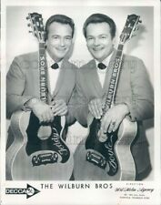 1975 Press Photo Country Singers The Wilburn Brothers With Custom Guitars