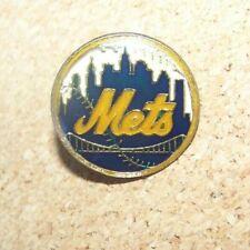 NY New York Mets NY skyline logo lapel pin c36892 older piece