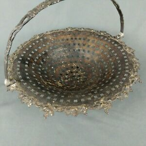 Reticulated Pedestal Fruit Bowl Basket articulating handle 11 x 9 Silverplated
