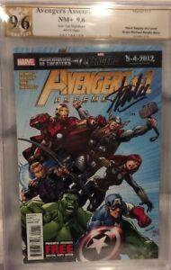 Avengers Assemble #1 Auto Stan Lee PGX /199