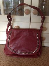 LOVELY CASA DE BORSE RED SHOULDER BAG DISTRESSED LOOK & STUD WORK USED GOOD CON