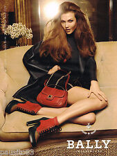 PUBLICITE ADVERTISING 075  2011  BALLY  collection sac & chaussures boots