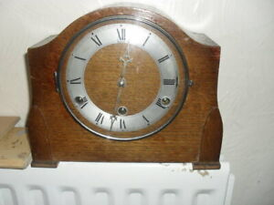 COMPACT ART DECO MANTLE CLOCK WITH WESTMINSTER CHIME