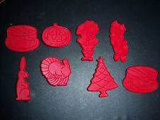 tupperware cookie cutters  complete set
