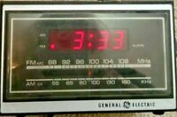 VINTAGE GENERAL ELECTRIC GE Digital AM FM Alarm Radio Model # 7-462OD Teak COLOR