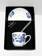 Blue willow Pattern bone china cup and saucer gift boxed with teaspoon