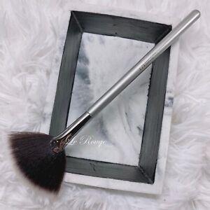 IT cosmetics Ulta Radiance Fan Cheek Blush Brush #116 contour highlighter NEW