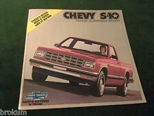 MINT CHEVROLET 1982 CHEVY S-10 PICKUP SALES BROCHURE TAHOE, SPORT NEW (BOX 371)