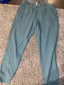 Lululemon 10 Bubble Dot Joggers