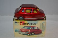 MF 993 Mini Tricycle car en tôle et friction made in China 12 cm VNMIB rare