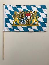 Fahne Flagge Bayern 30x45 cm mit großem Wappen mit Stab
