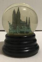 """Saks Fifth Avenue Musical Snow Globe - New York City Plays """"NY-NY"""" Retired"""