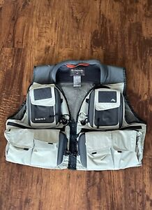 Simms Fly Fishing Vest. G3 Guide? Size Medium.