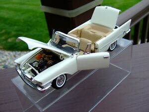 Danbury Mint 1/24th Scale 1957 Chrysler 300 Convertible----NICE-