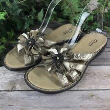 Clarks Bendables Womens 8.5M Sandals - Metallic Brown Floral Leather Flip Flops