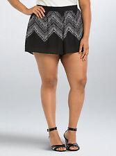 Torrid Geo Print Pull On Shorts Black Size 3 AKA 3X 22 26  #56614