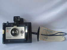 VINTAGE POLAROID LAND INSTANT CAMERA SQUARE SHOOTER 2 WITH EXTRA FLASH BULBS
