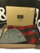 NIB   Abercrombie & Fitch Men's   Beanie and Scarf  Gift Set New