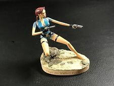 FIGURINE DE COLLECTION PIN UP TOMB RAIDER LARA CROFT COMME NEUVE !