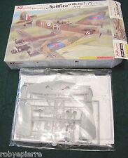 Azmodel Az 7288 model Supermarine Spitfire Mk.IIa Aces 1:72 Aereo Caccia Inglese
