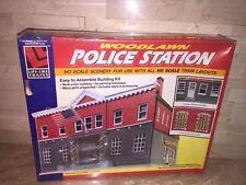 WOODLAWN LIFE LIKE TRAINS HO SCALE POLICE STATION